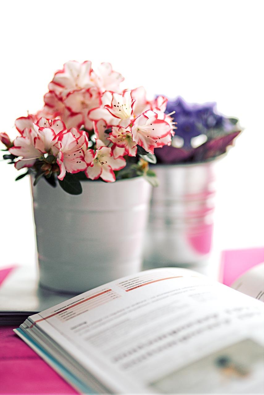 Jakie książki o kwiatach warto kupić?